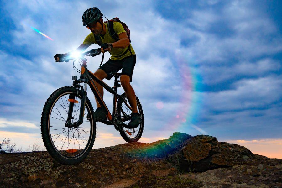 Jakie oświetlenie rowerowe wybrać? 7 rad
